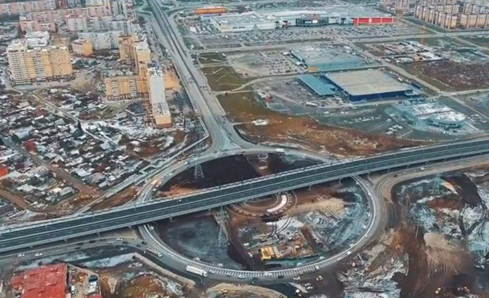 Новая развязка изменит схему движения напересечении улиц Федюнинского иПермякова